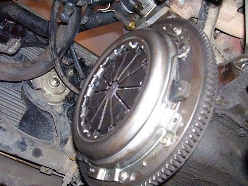 Самостоятельно меняем сцепление на автомобилях ВАЗ 2110, ВАЗ 2111, ВАЗ 2112.  Видео урок.